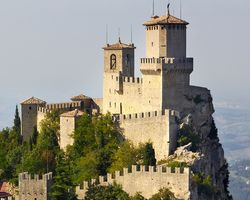 WHAT ARE THE GEOGRAPHICAL COORDINATES OF CITY OF SAN MARINO ?