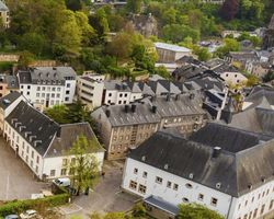 WHAT ARE THE GEOGRAPHICAL COORDINATES OF LUXEMBOURG ?